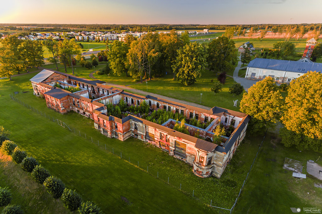 Old Raadi Manor