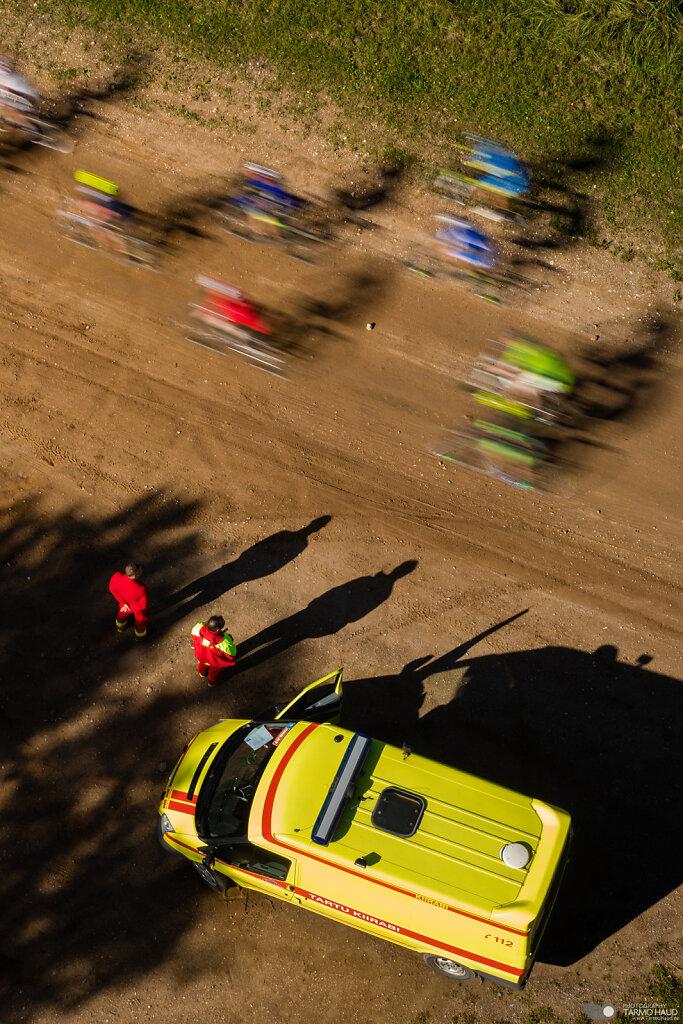 Võistlejad kiirabi valvsa silma all